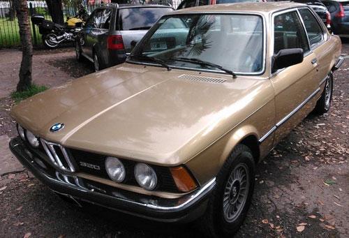 Car BMW 320i Active
