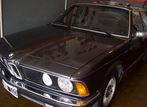 Auto BMW 735i 1981