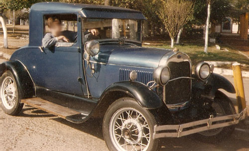 Car Ford Tudor 1928