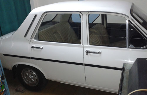 Car Renault 12