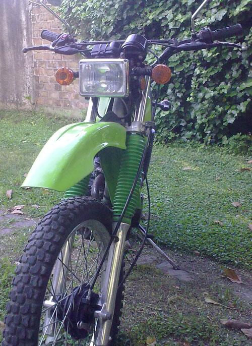 Motorcycle Kawasaki KL 250 (A4)