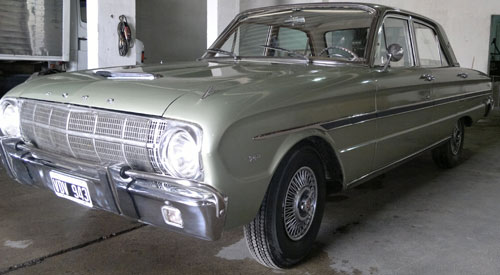 Car Ford Falcon XP