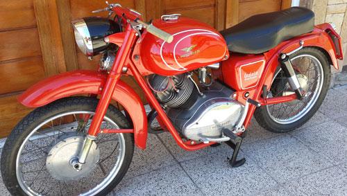 Motorcycle Guzzi Lodala 235