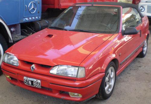 Car Renault Coupé 19 Cabriolet