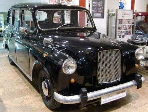 Car Austin FX4 London Taxi