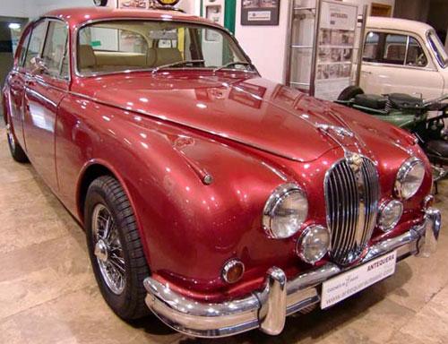 Auto Jaguar MK-II 420