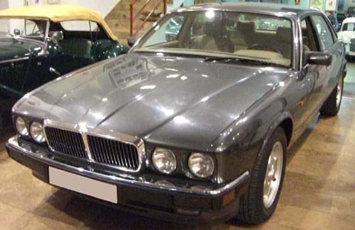 Auto Jaguar XJ-6 3,2 S