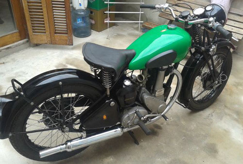 Motorcycle BSA B31/B33