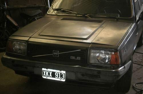 Car Volvo 345 GLS