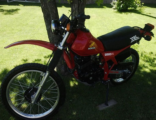 Motorcycle Honda XL 250 R