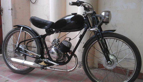 Motorcycle Puma 98