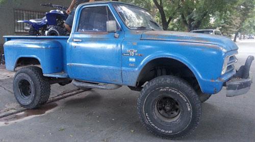 Car Chevrolet Brava