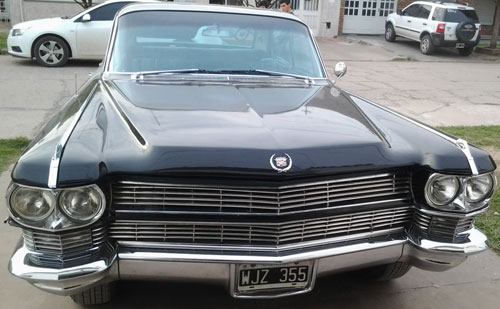 Car Cadillac Fleetwood