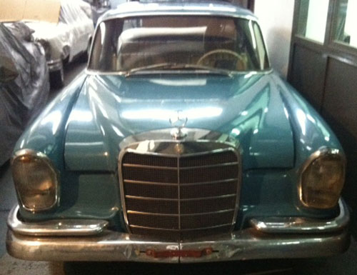 Car Mercedes Benz 220 SEB