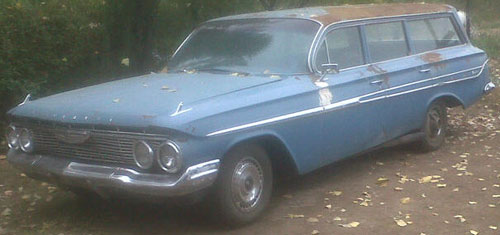 Car Chevrolet Impala Nomad 1961