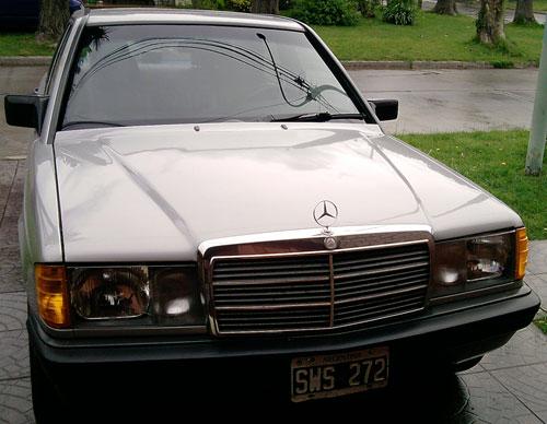 Auto Mercedes Benz 190 E