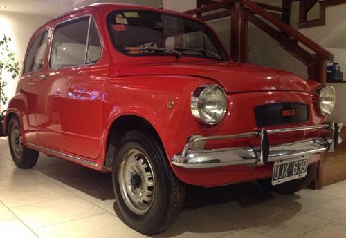Car Fiat 600R