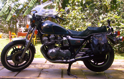 Motorcycle Honda CB 750 Custom