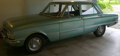 Car Ford Falcon Standard