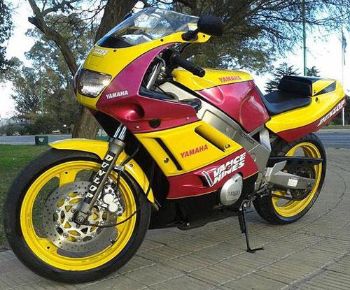 Motorcycle Yamaha FZR 600 Vance & Hines Edition 1992