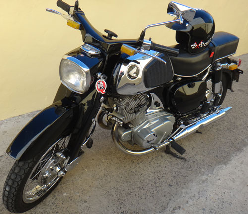 Motorcycle Honda Dream 305