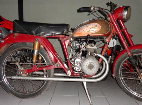Motorcycle Villers 1947
