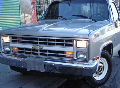 Car Chevrolet Silverado 1988