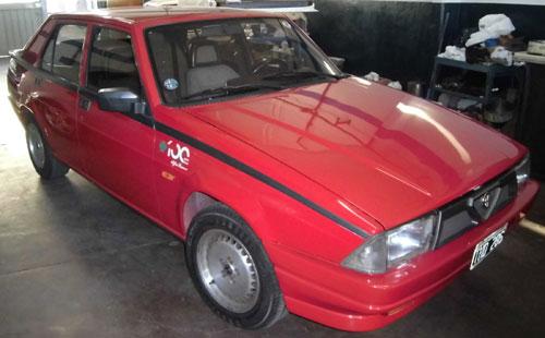 Auto Alfa Romeo 75