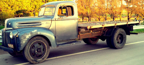 Car Ford 1 1/2 Ton