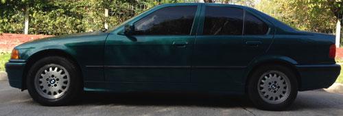 Car BMW 318