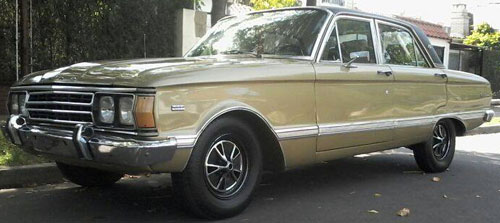 Car Ford Falcon Futura 221