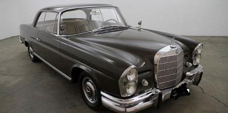 Car Mercedes Benz 220SE