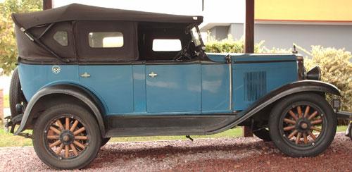 Car Chevrolet Phaeton
