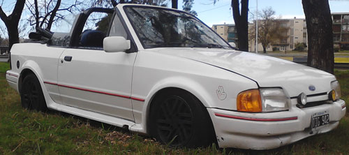 Auto Ford XR3 Cabriolet