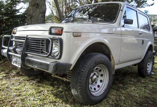 Car Lada Niva 4x4