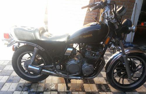 Moto Yamaha Maxim 650