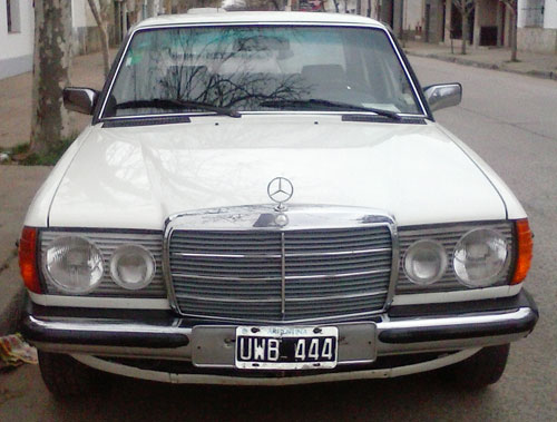 Car Mercedes Benz 230 E