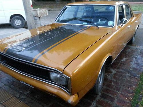 Car Dodge Polara 1975