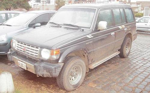 Car Mitsubishi Montero
