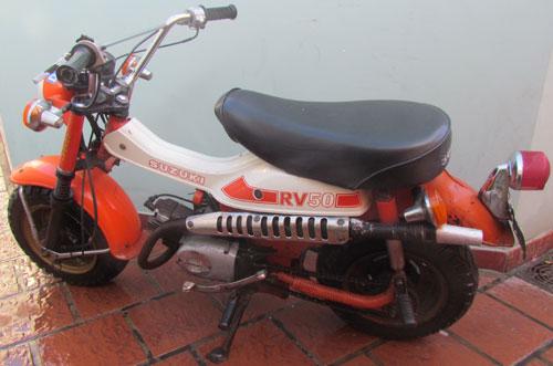 Moto Suzuki RV 50 1980