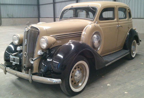 Car Plymounth 1936
