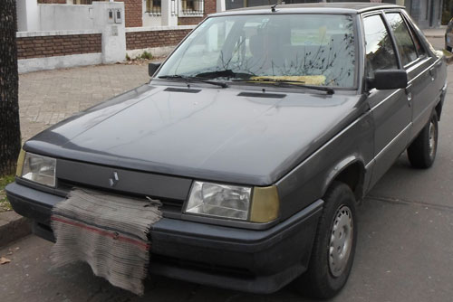 Car Renault 1993