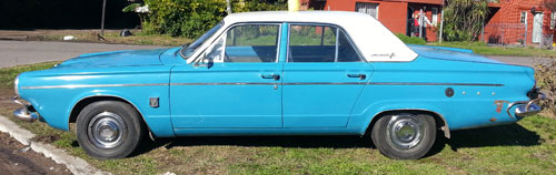 Auto Chrysler Valiant 3