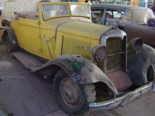 Car Chrysler 1932