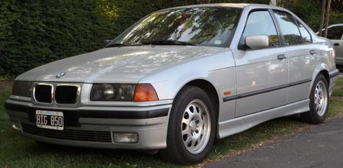 Car BMW 328
