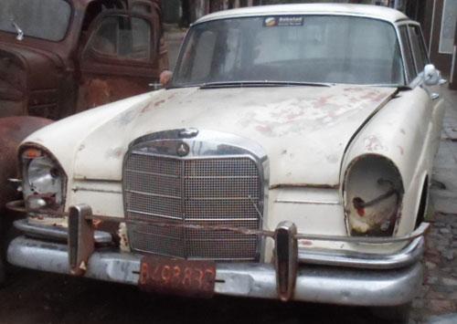 Car Mercedes Benz 220 1963