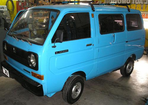 Car Mitsubishi L100 Van 1982