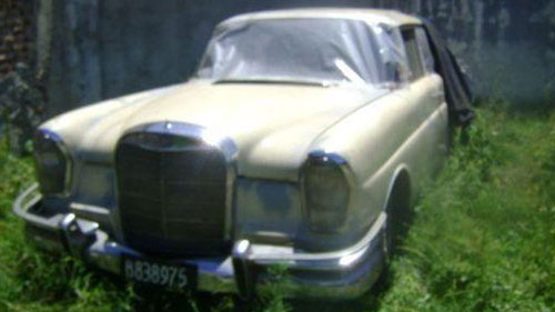 Car Mercedes Benz 220