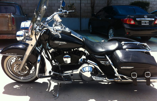 Car Harley Davidson Roadking 1450 2000