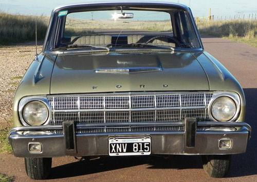 Car Ford Falcon De Luxe